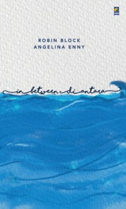 Cover In Between, Di Antara oleh Robin Block & Angelina Enny